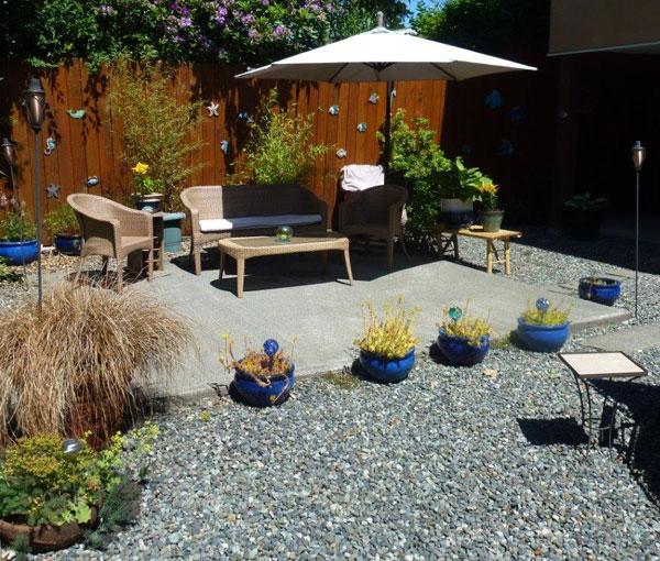 Beachway Garden and patio